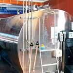 2.300 liter mjölk per dygn hoppas man nå upp till när anläggningen är helt inkörd.