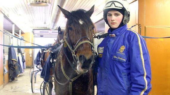 Viktor Karlsson från Hoting går andra året på Wången. Hans dröm är att bli travtränare.