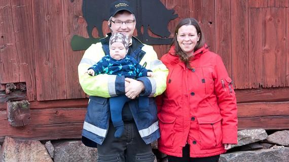 Per Nilsson tillsammans med sambon Charlotte Bonde och sonen Erik.