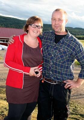 Anja och Erik är mycket nöjda med det nya stallet.