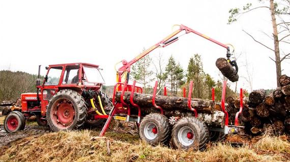Kranman T5000 4WD vagn och K40-10 kran.