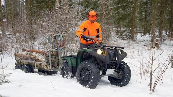 Tung snö och tung vagn är inga större problem för Grizzly 450.