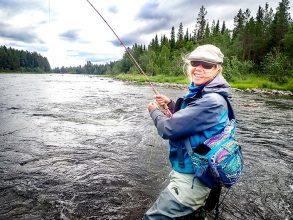 Flera satsningar från Fjällorna för att få tjejer att fiska